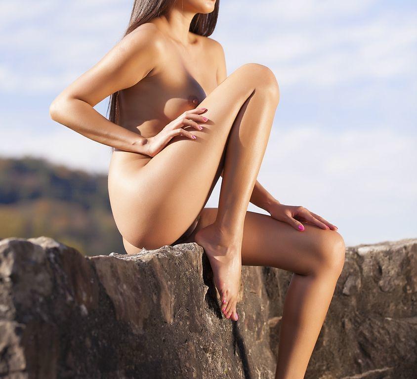 Danika on the ruins